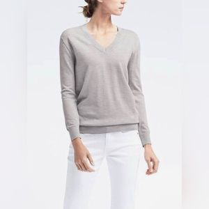NEW Gray Banana Republic V-Neck Sweater